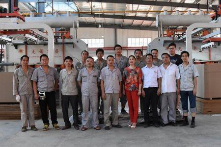 圣保罗地板董事长杨素文-从下岗工人到-地板女王-!樟树